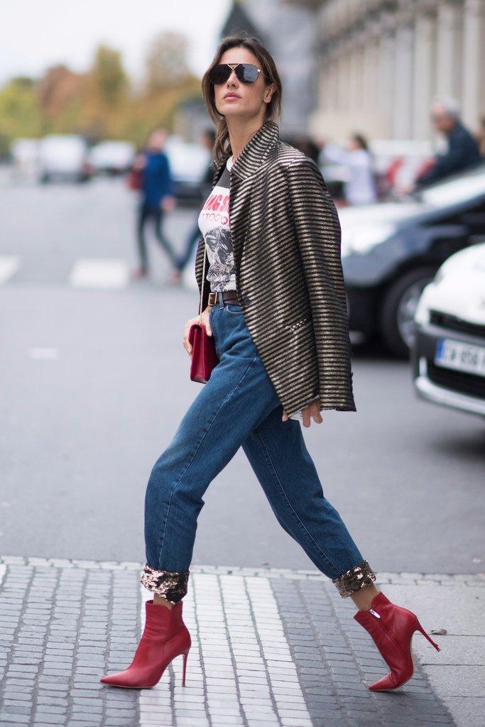 giày bốt đỏ gót nhọn chi tiết ánh kim