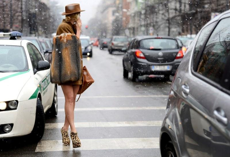 Killer heels (giày cao gót nhọn) không phải là một lựa chọn đúng đắn cho mọi cô nàng. Ngoài yếu tố sở thích và hoàn cảnh, thời tiết cũng là một điều cần phải được cân nhắc khi phối đồ.