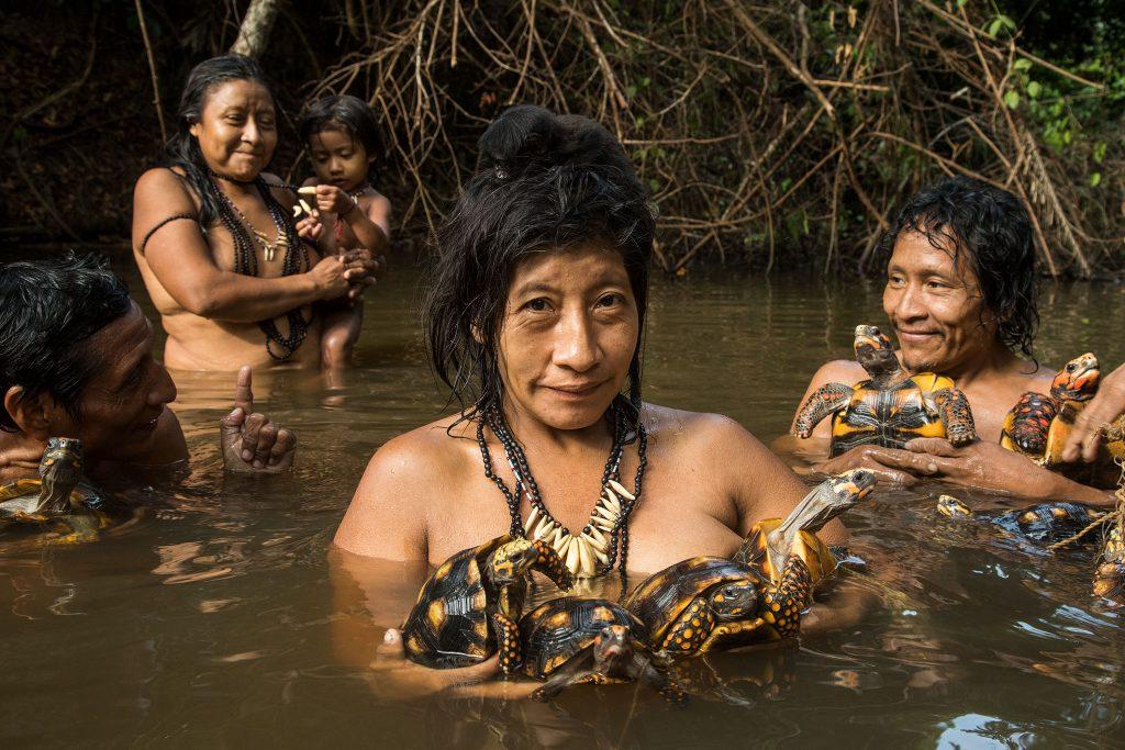 người trong rừng amazon