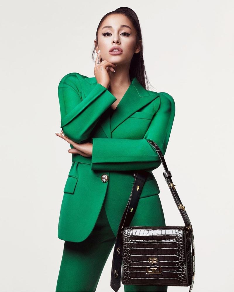 Chiến dịch quảng cáo Thu Đông 2019 suit xanh Ariana Grande