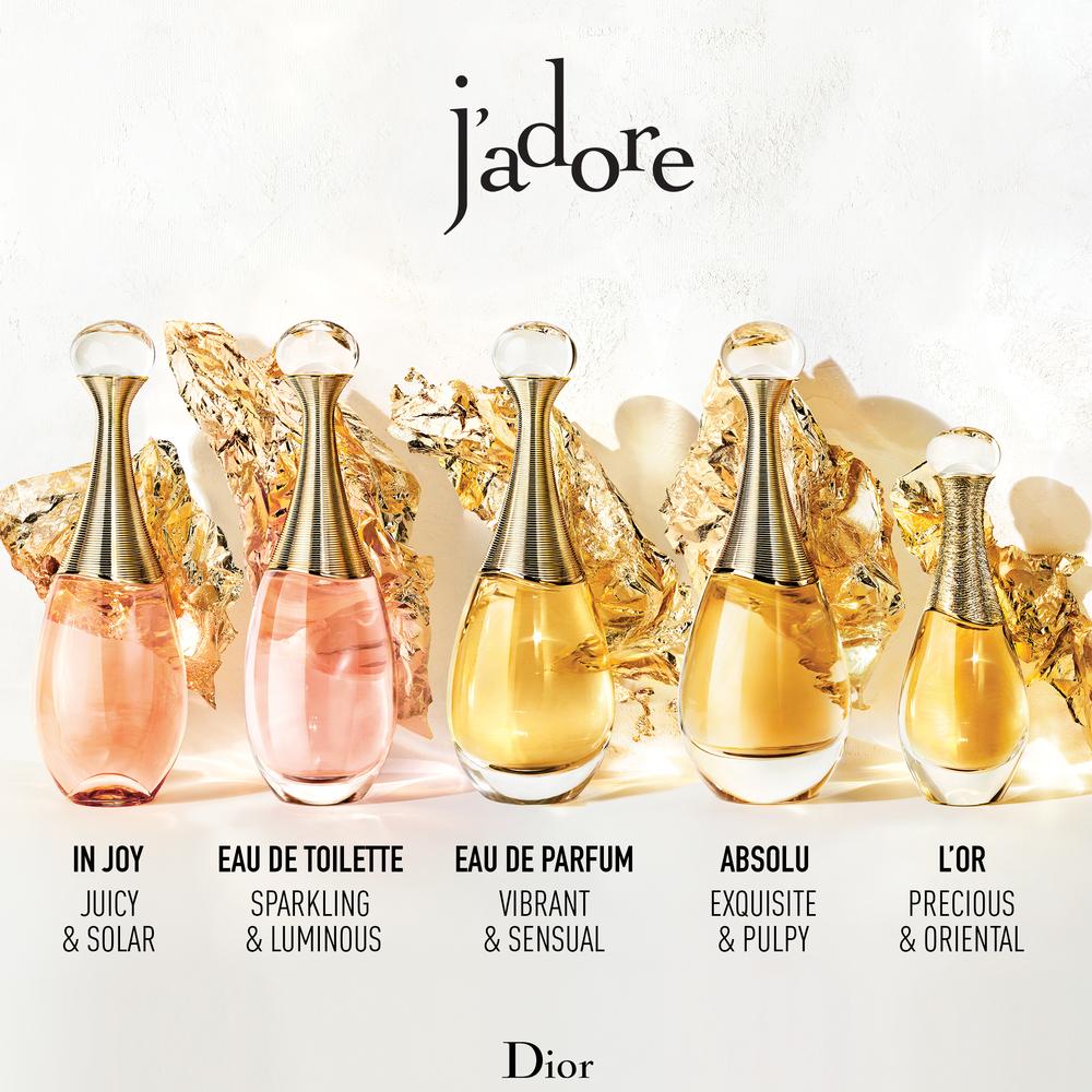 Hương thơm của Dior J'adore như một bản giao hưởng nhẹ nhàng với những nốt hương hoa tinh tế.