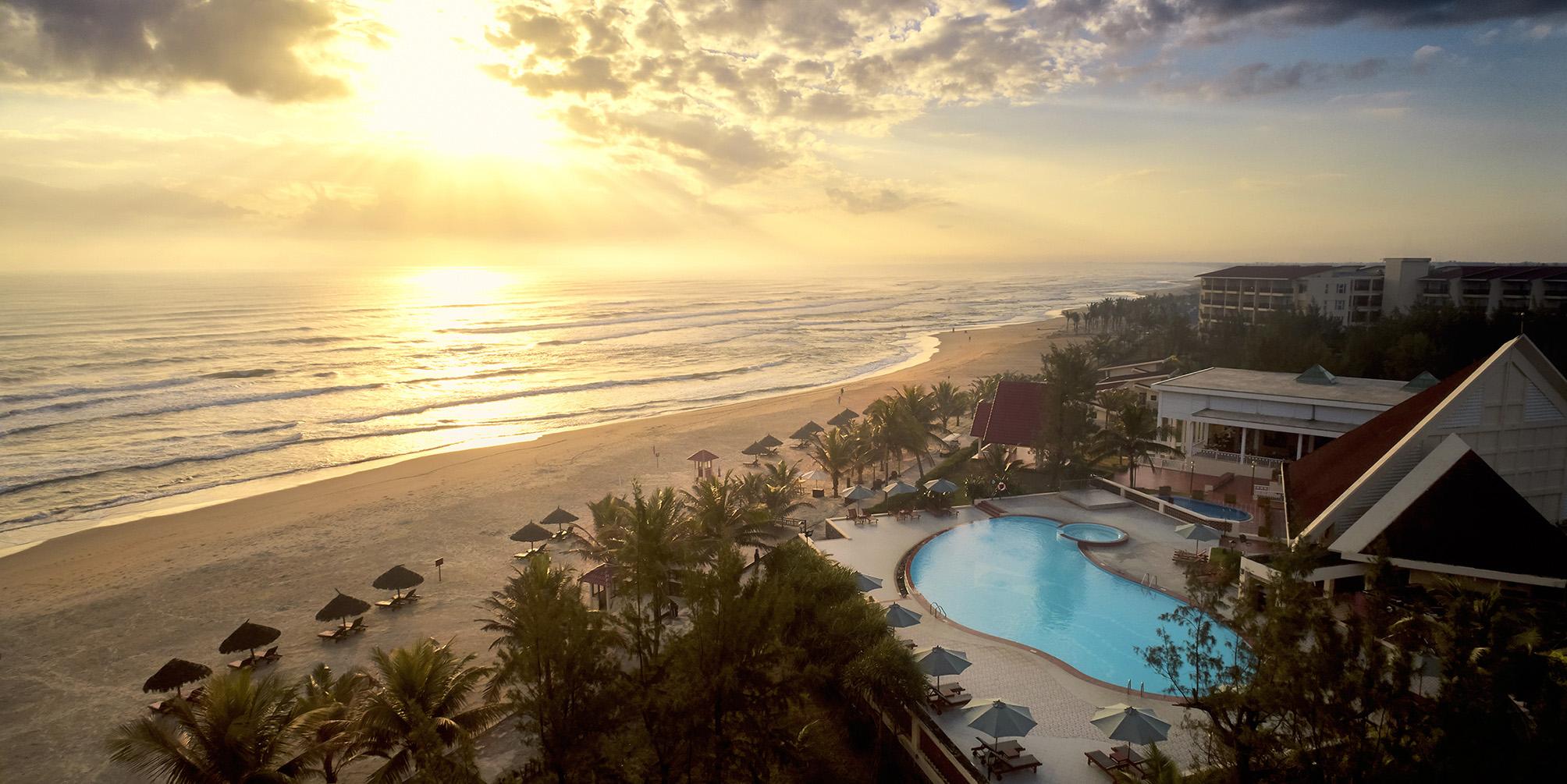 Centara Sandy Beach Resort Danang 3