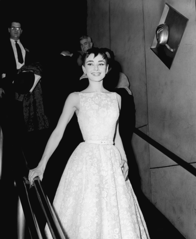 Những câu nói hay về phong cách thời trang thanh lịch - Audrey Hepburn