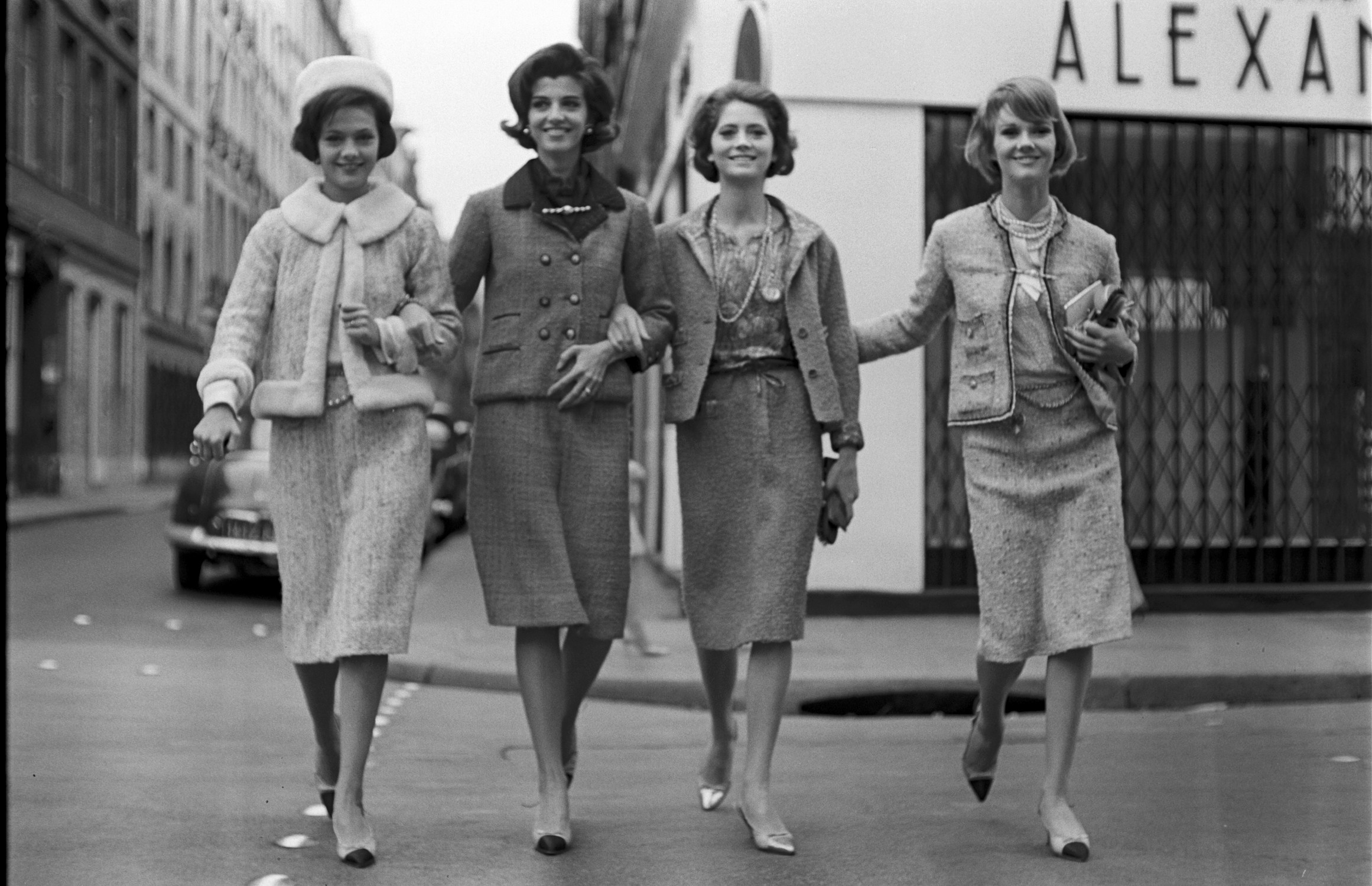 Những câu nói hay về phong cách thời trang thanh lịch của Coco Chanel