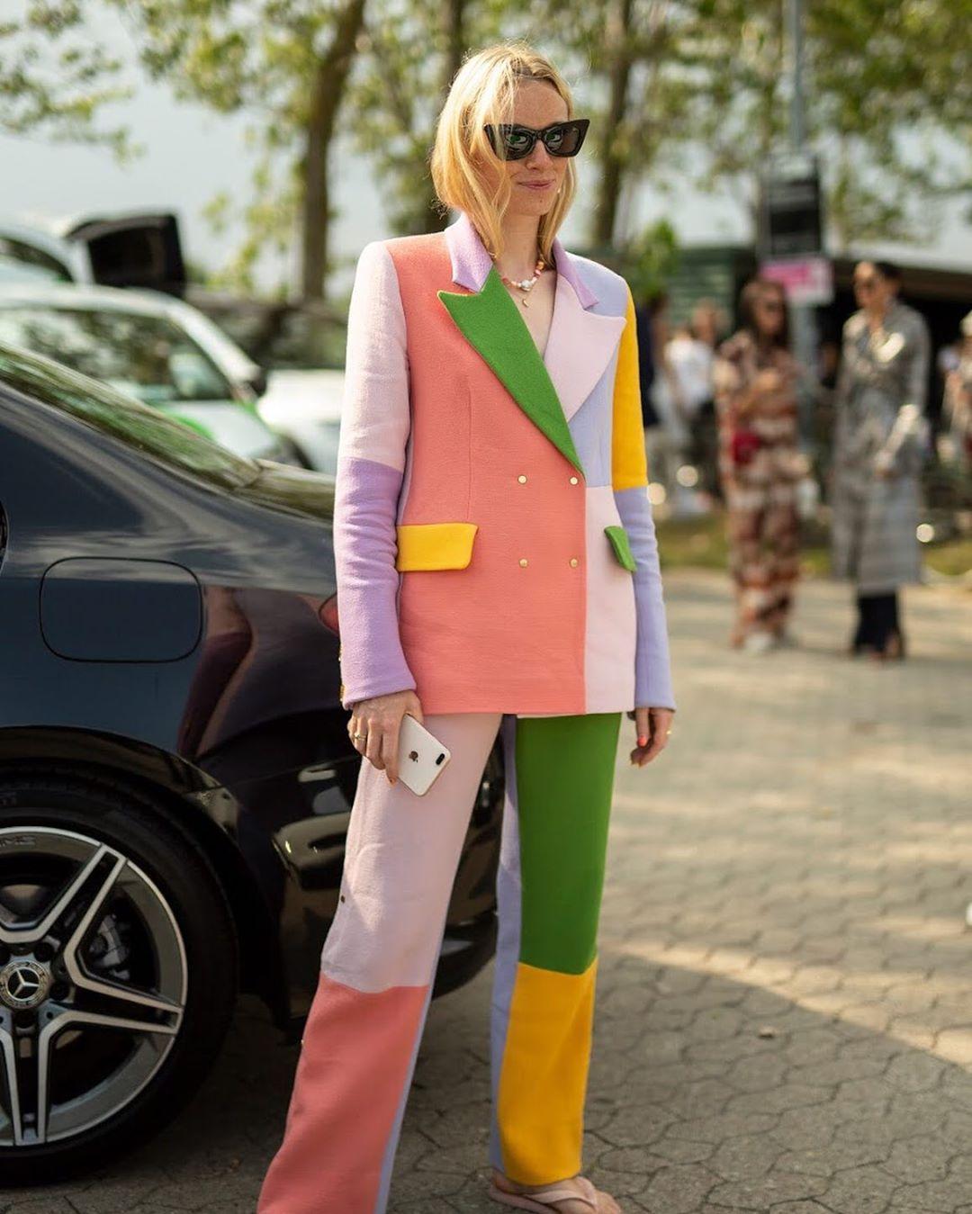 Cách phối đồ suit đa sắc màu