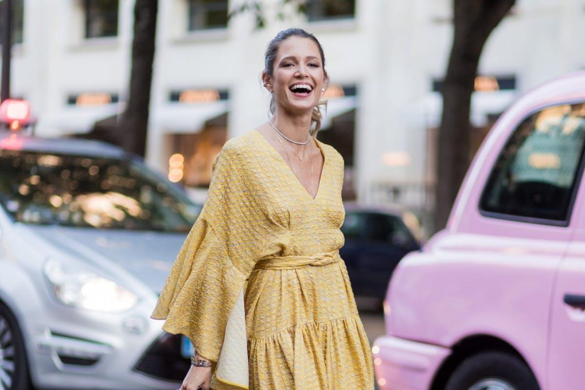 Trang phục màu vàng mang lại nguồn năng lượng tích cực - màu sắc trang phục