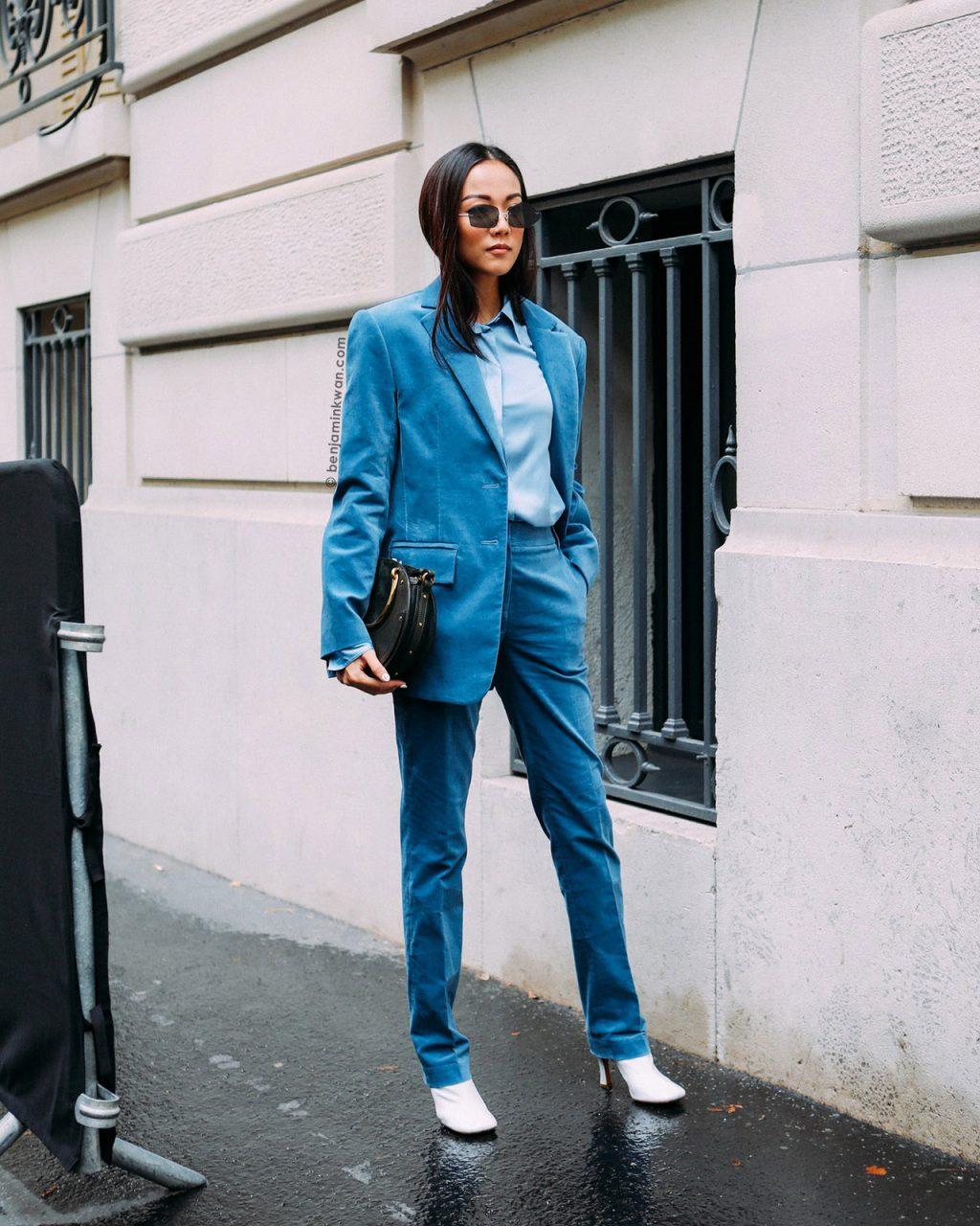yoyo cao blazer xanh navy kính mát