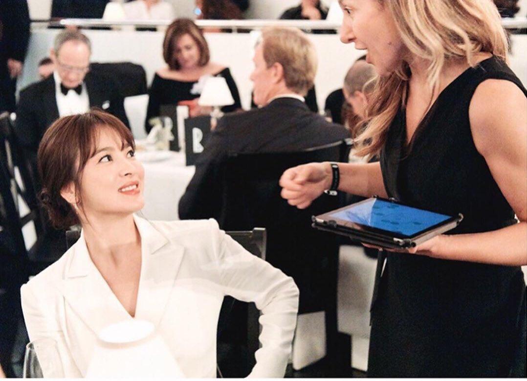 Điểm tin thời trang Song Hye Kyo dự show thời trang Ralph Lauren