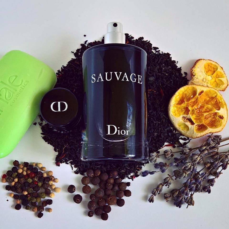 Dior Savage mùi nước hoa cho nam giới