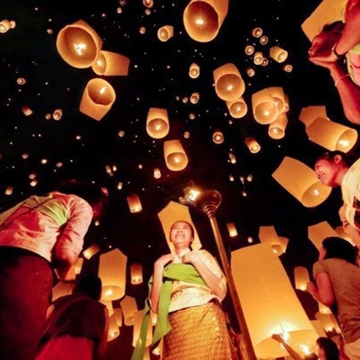 người dân Malaysia thả đèn lồng