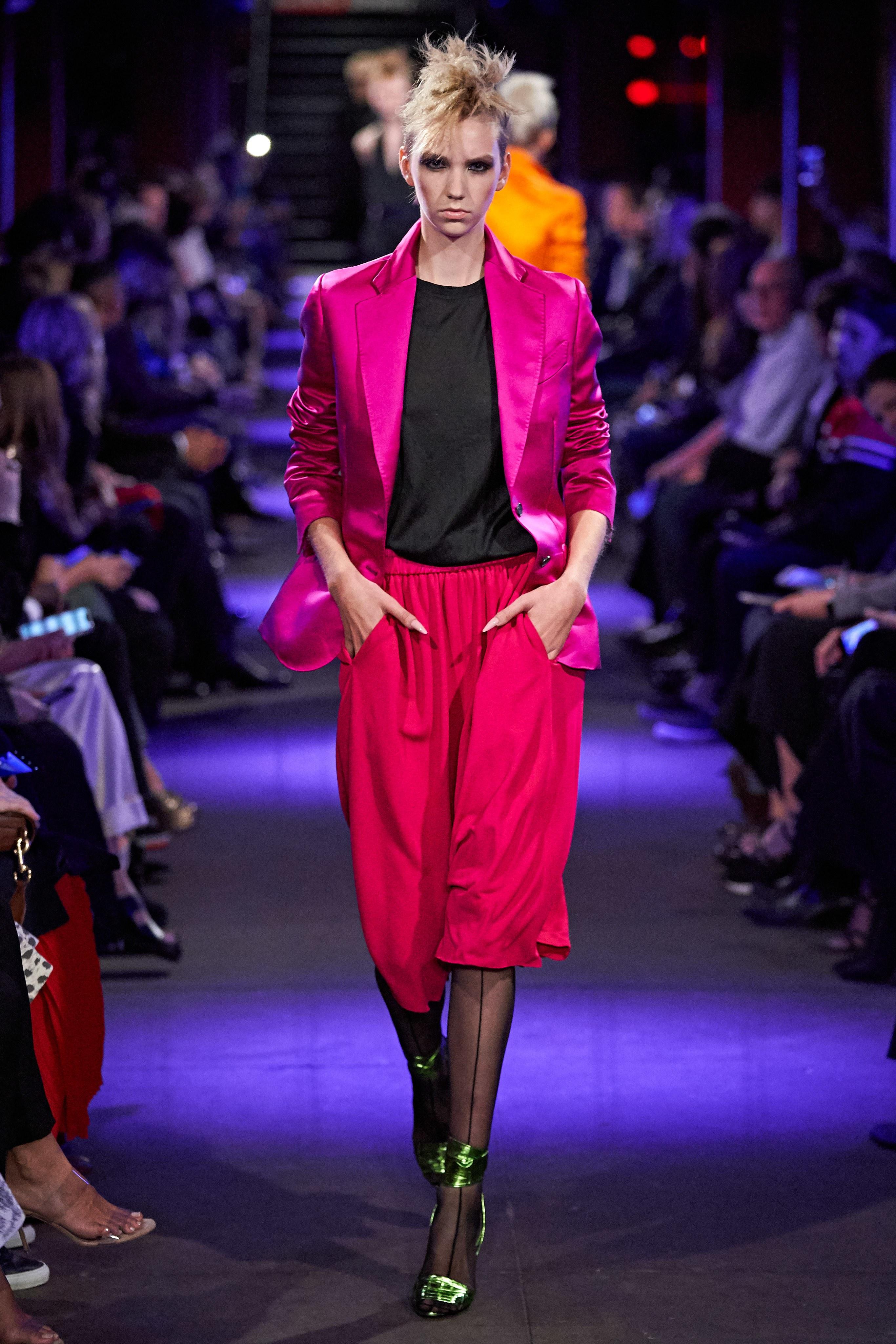 vest màu hồng neon bst tom ford xuân hè 2020