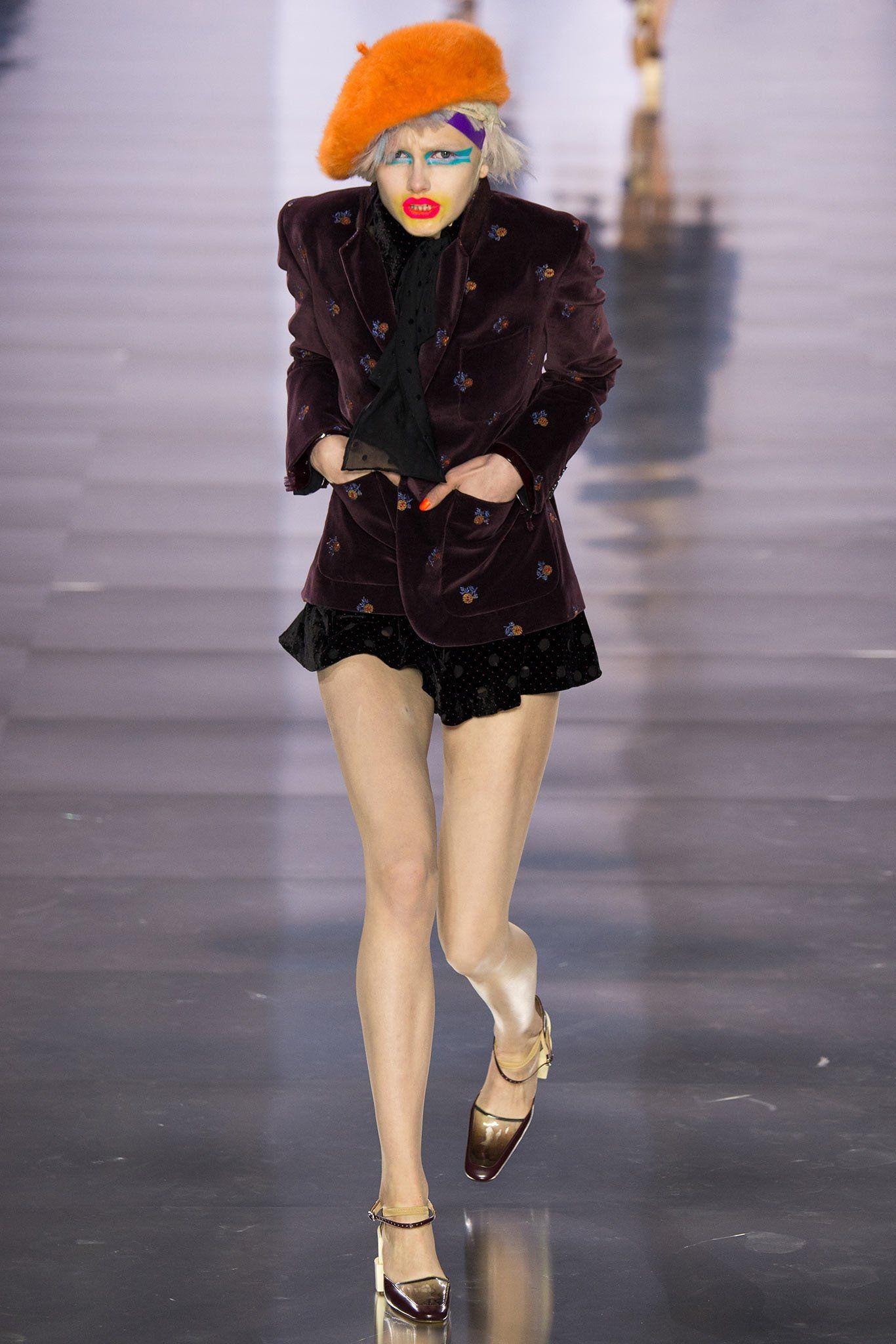 phần catwalk độc đáo tại tuần lễ thời trang paris 2015 của thương hiệu Maison Margiela