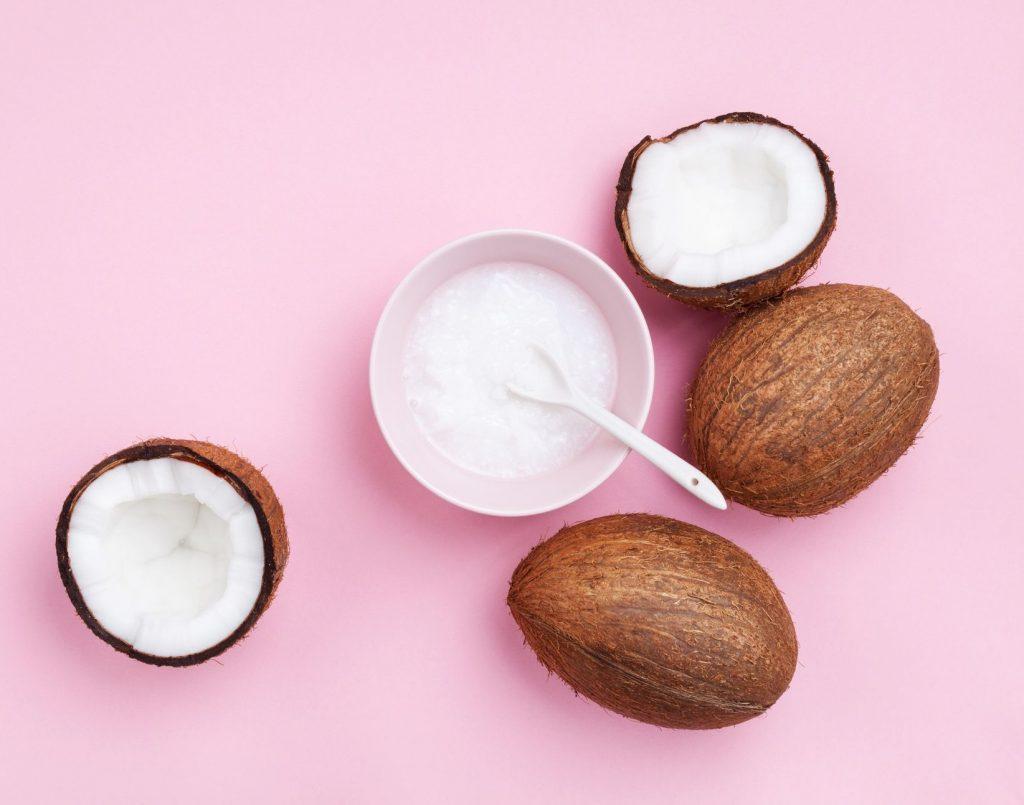 chăm sóc tóc đẹp - dầu dừa ủ tóc
