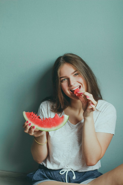 cô gái ăn giảm cân nhanh