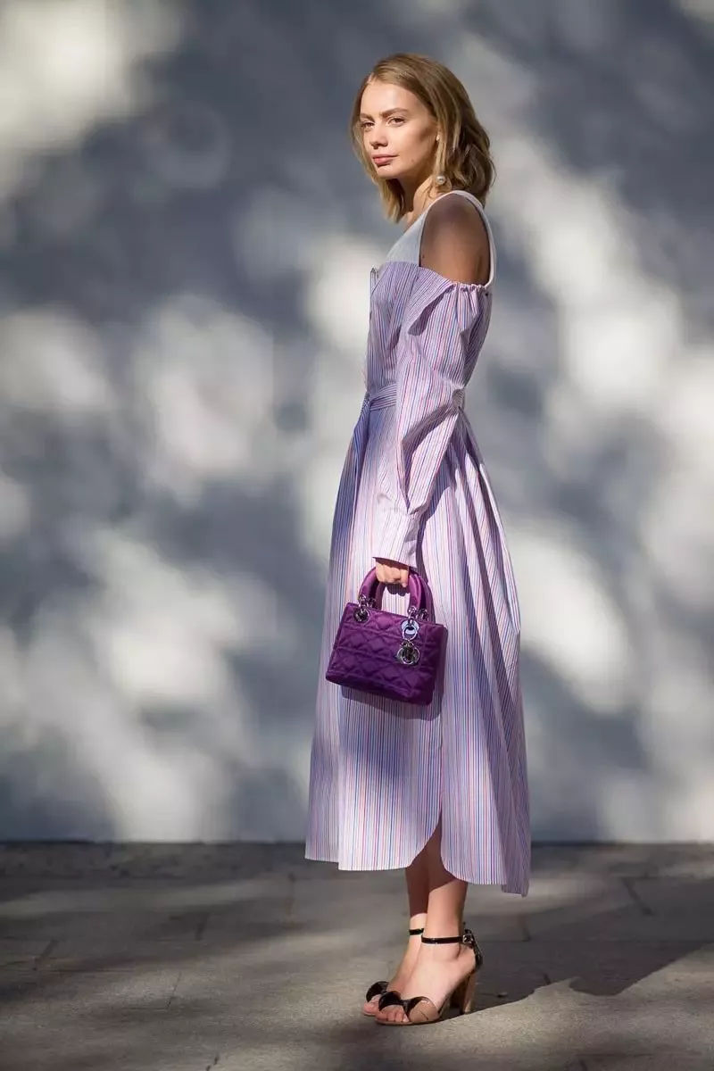 chinh phục dresscode thời trang cưới màu tím