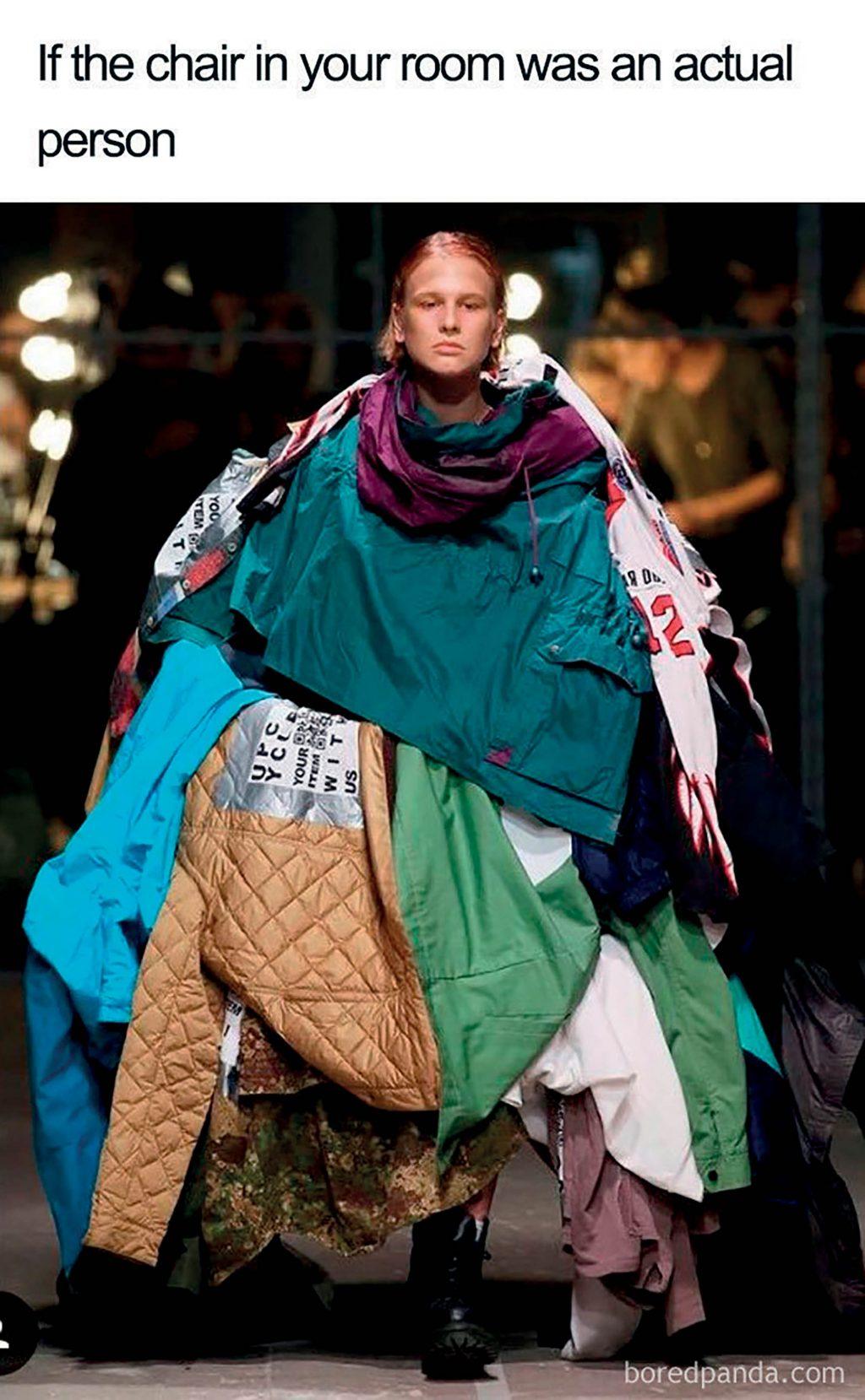 meme là gì? ảnh người mẫu trên sàn diễn thời trang
