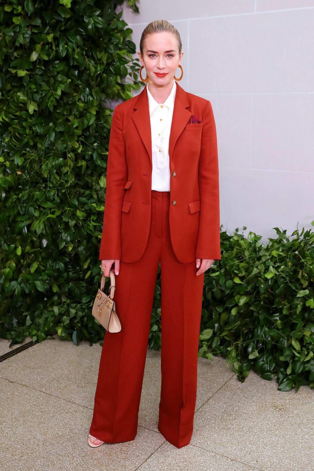 Emily Blunt tham dự tuần lễ thời trang New York ss20