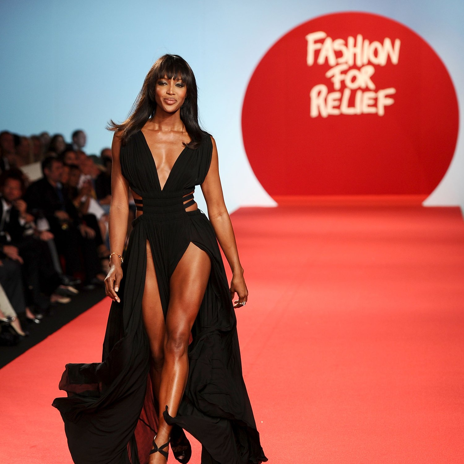 Naomi Campbell tổ chức show thời trang từ thiện Fashion For Relief