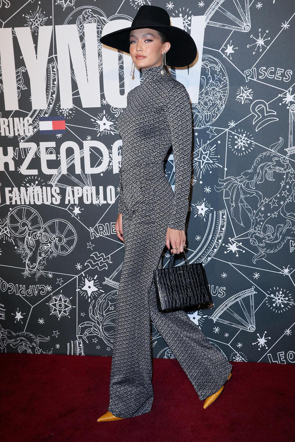 Gigi Hadid tại show Tommy Hilfiger NYFW ss20