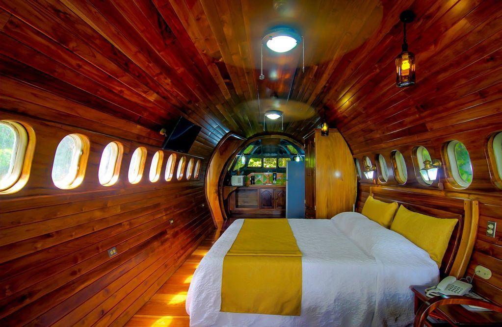 khách sạn máy bay 2