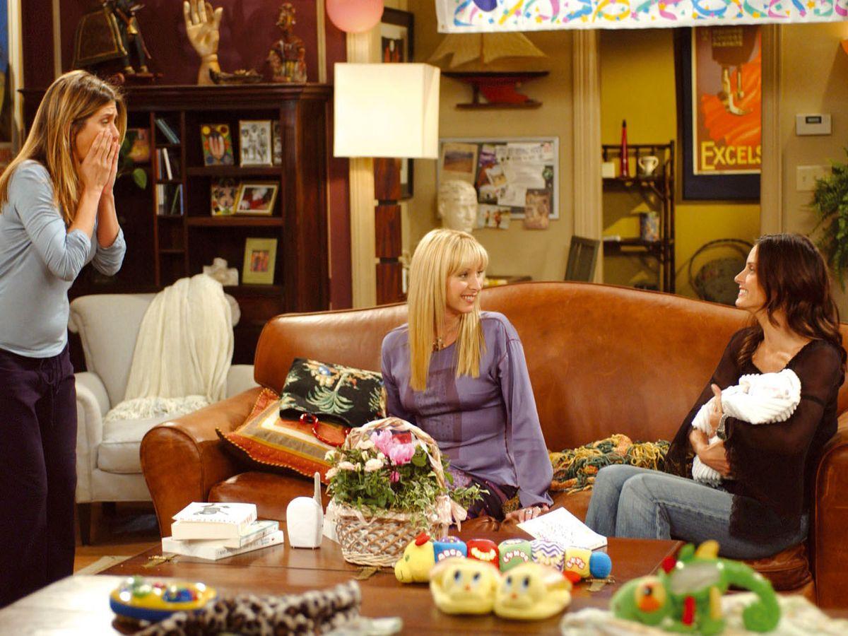 Monica khuyên Rachel