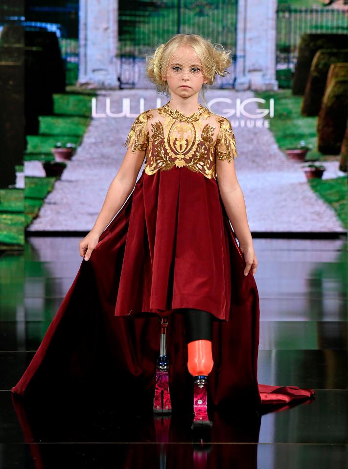Daisy-May Demetre tại buổi trình diễn BST của Lulu et Gigi tại Tuần lễ thời trang New York