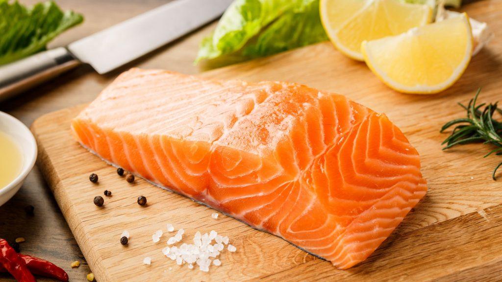 Axit béo omega-3 là một loại chất béo không bão hoà đa rất có lợi cho tim của bạn.