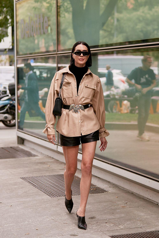 """chất liệu da """"phủ sóng"""" tuần lễ thời trang milan xuân - hè 2020"""