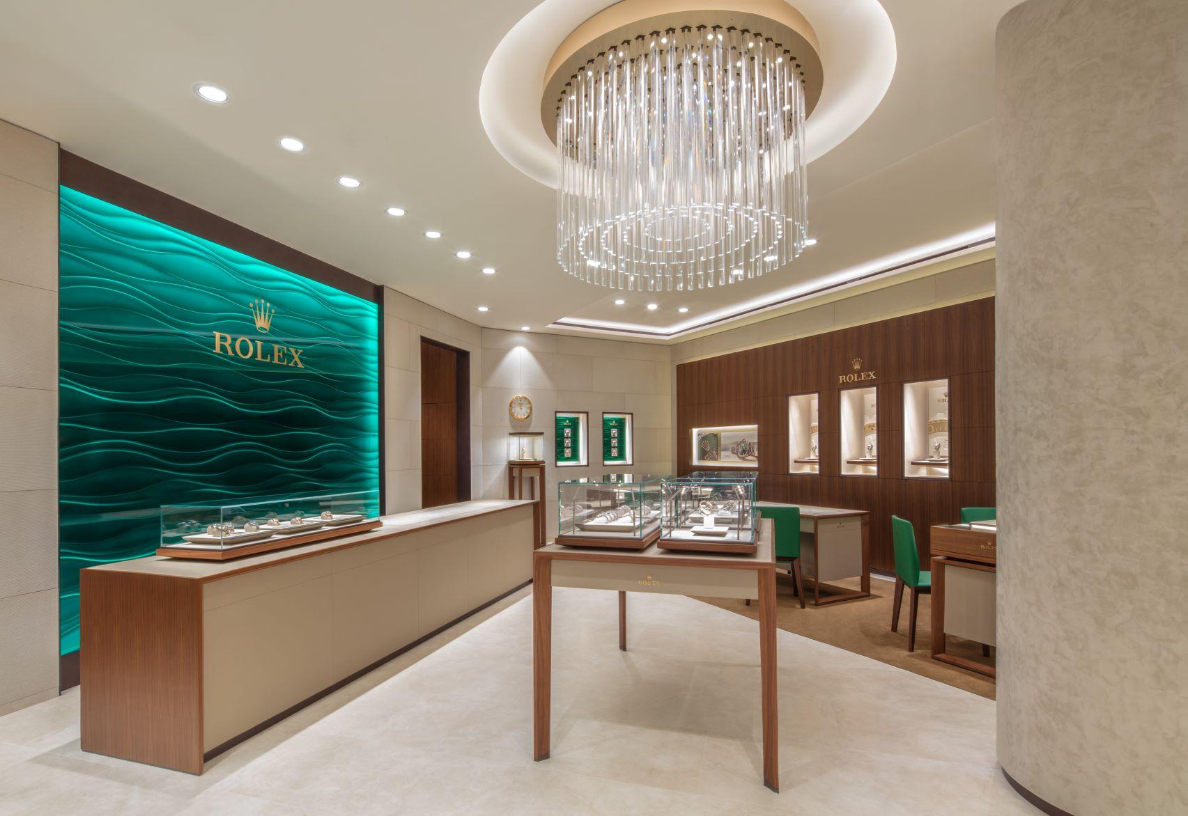 tái khai trương cửa hàng Rolex Tràng Tiền Plaza
