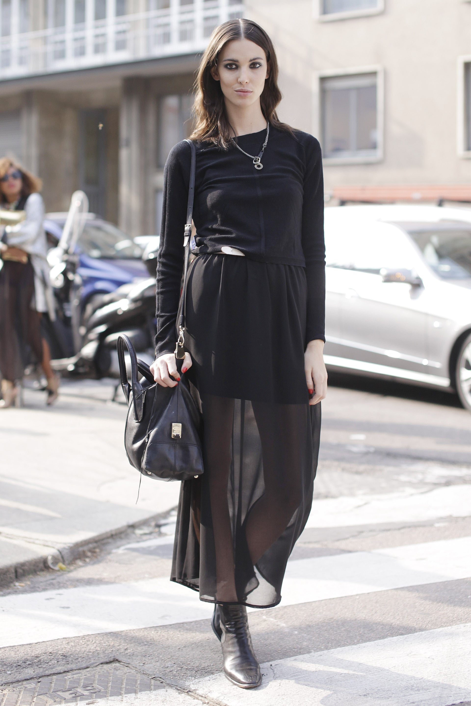 Trang phục đen thể hiện tính cách mạnh mẽ