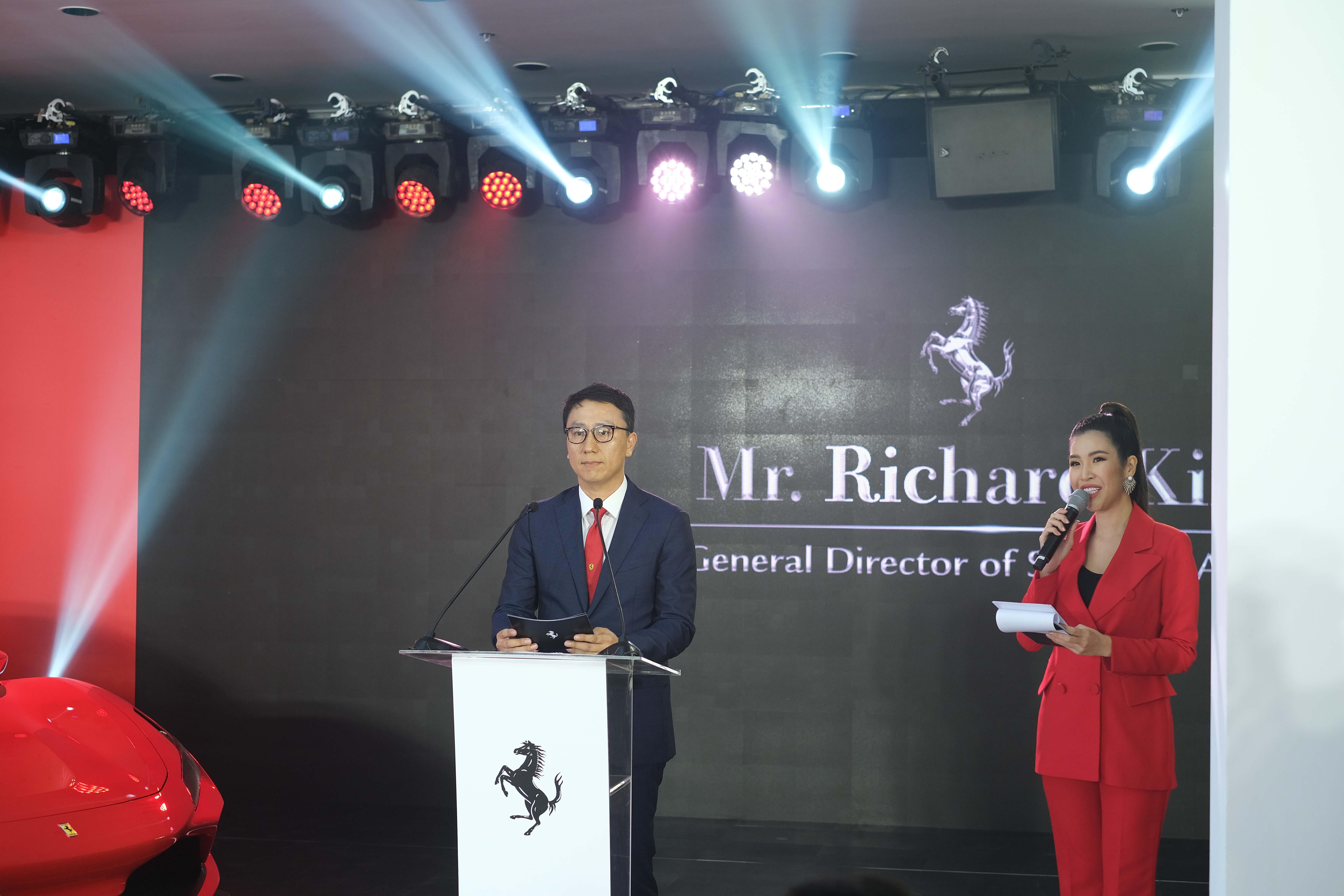Ông Richard Kim trong buổi ra mắt