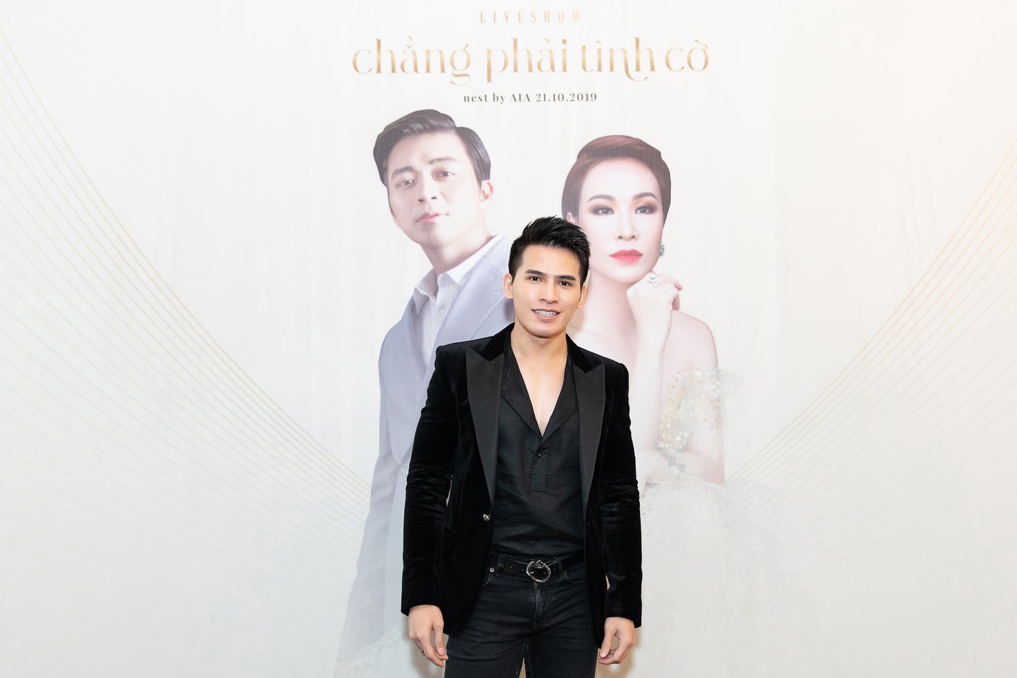 ca sĩ Quốc Thiên tại họp báo liveshow của Uyên Linh và Lân Nhã