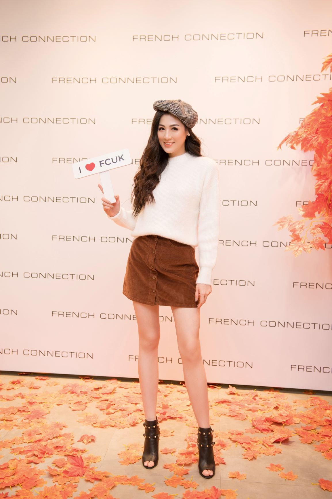 Á hậu Tú Anh tại sự kiện thời trang FCUK