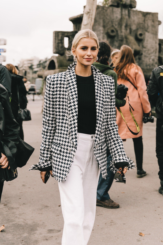 Caroline Deur áo blazer vải tweed