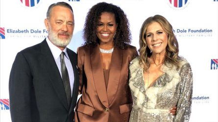 NTK Công Trí chỉ mất 2 ngày để hoàn thành bộ suit cho Michelle Obama