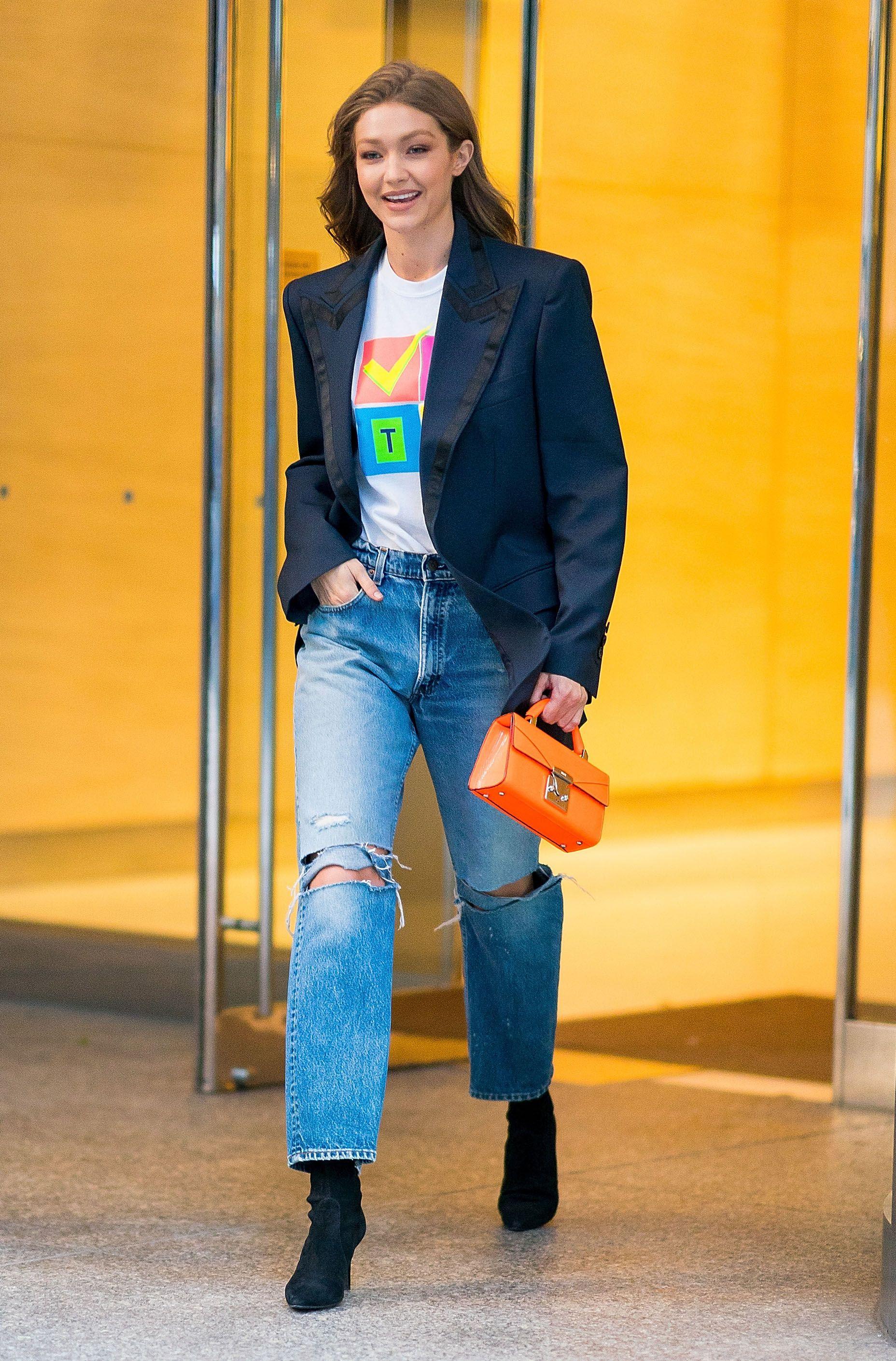 cách phối áo blazer thanh lịch cùng jeans ống rộng 2