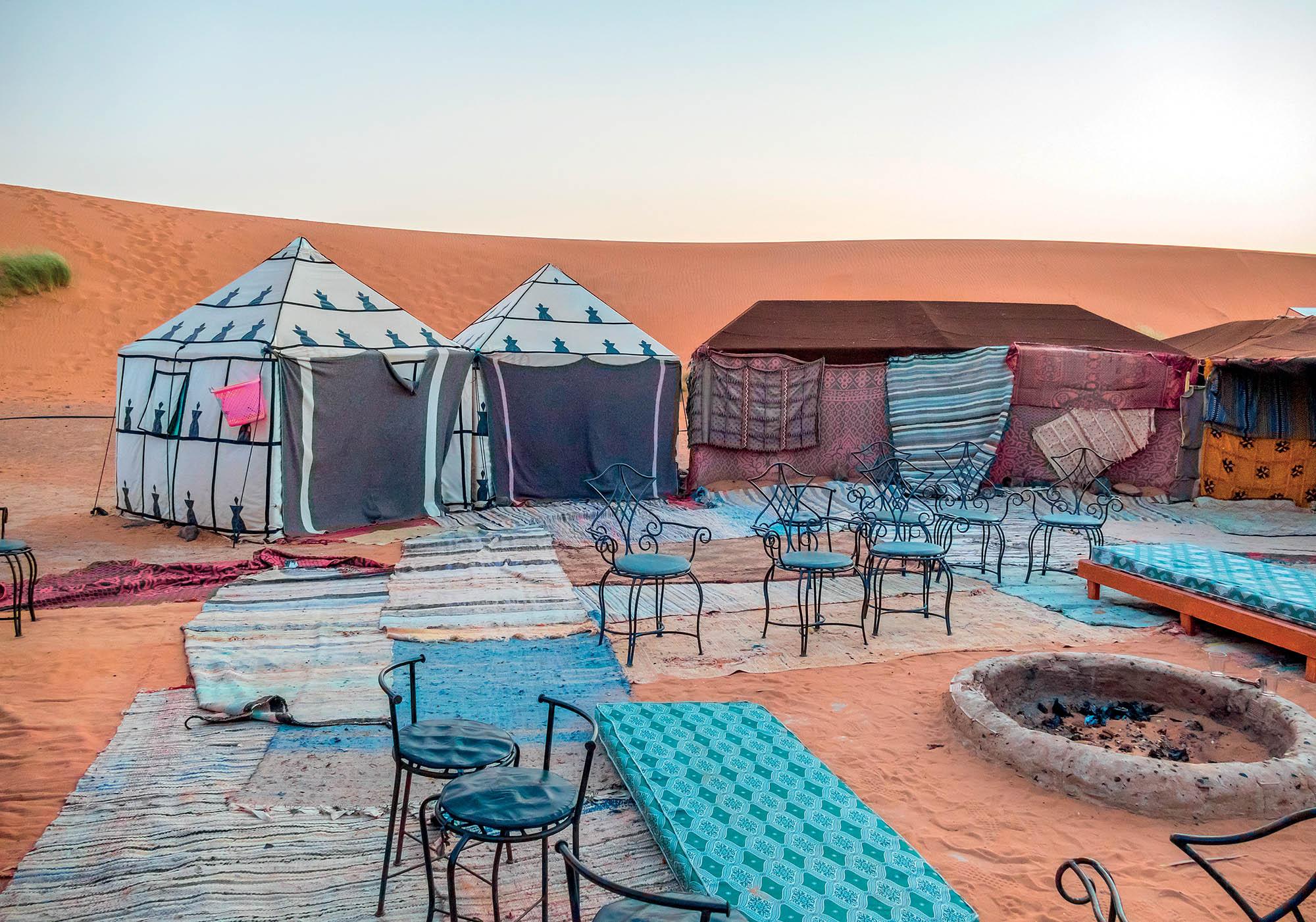 Morocco du lịch các túp lều cắm trại tại Sahara