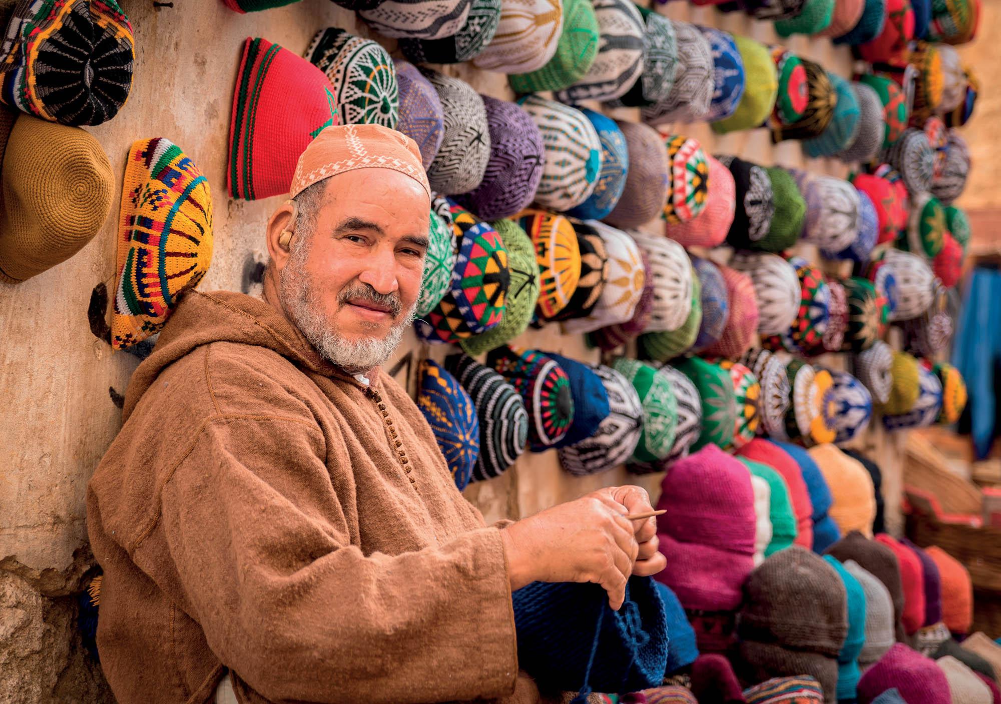 Morocco du lịch người đàn ông bán nón len