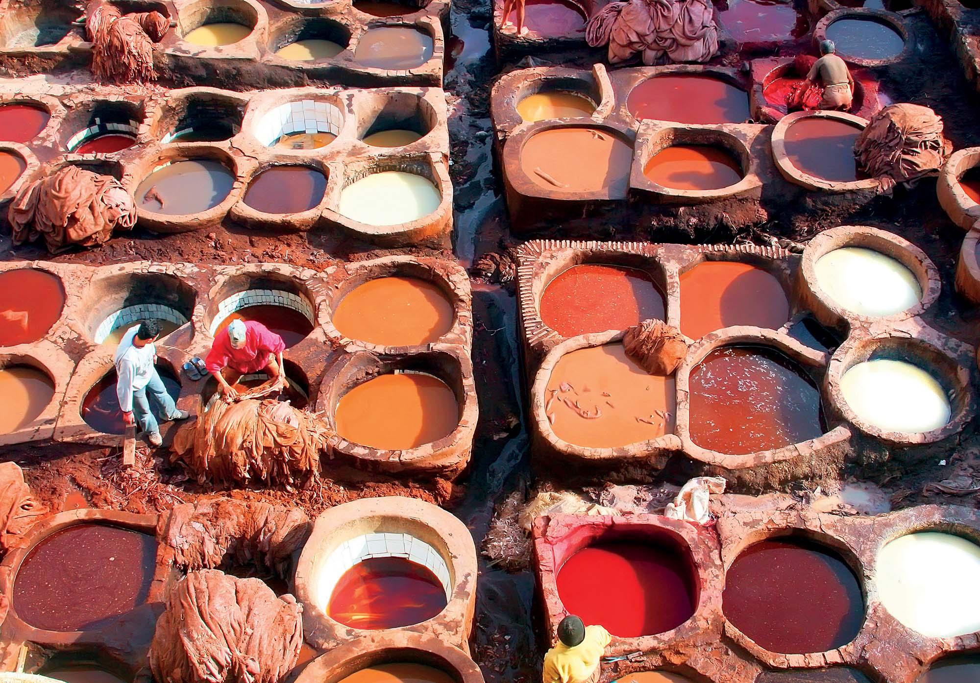 Morocco du lịch những vại màu nhuộm đa sắc
