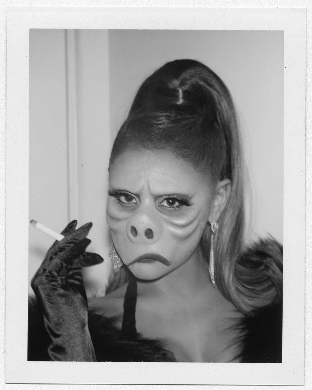 trang phục Halloween - Ariana Grande Halloween 2019