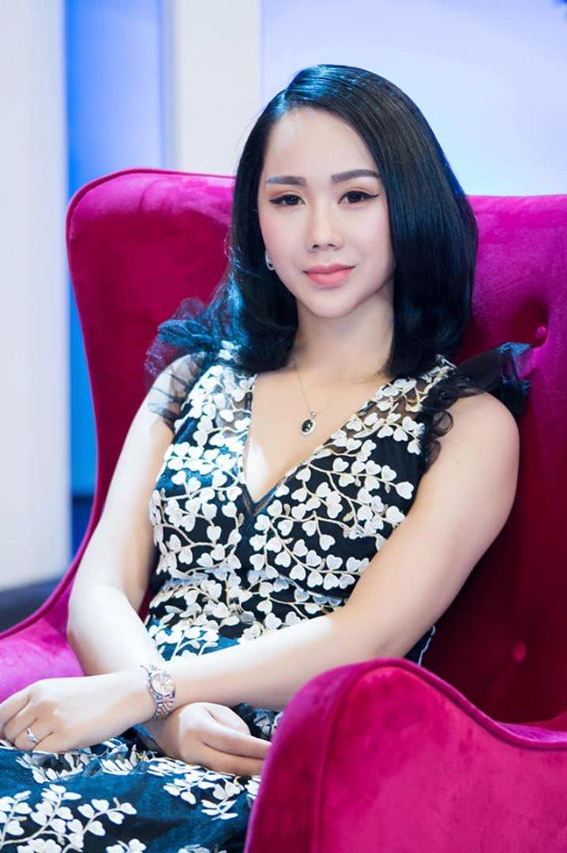CEO Hà Lê