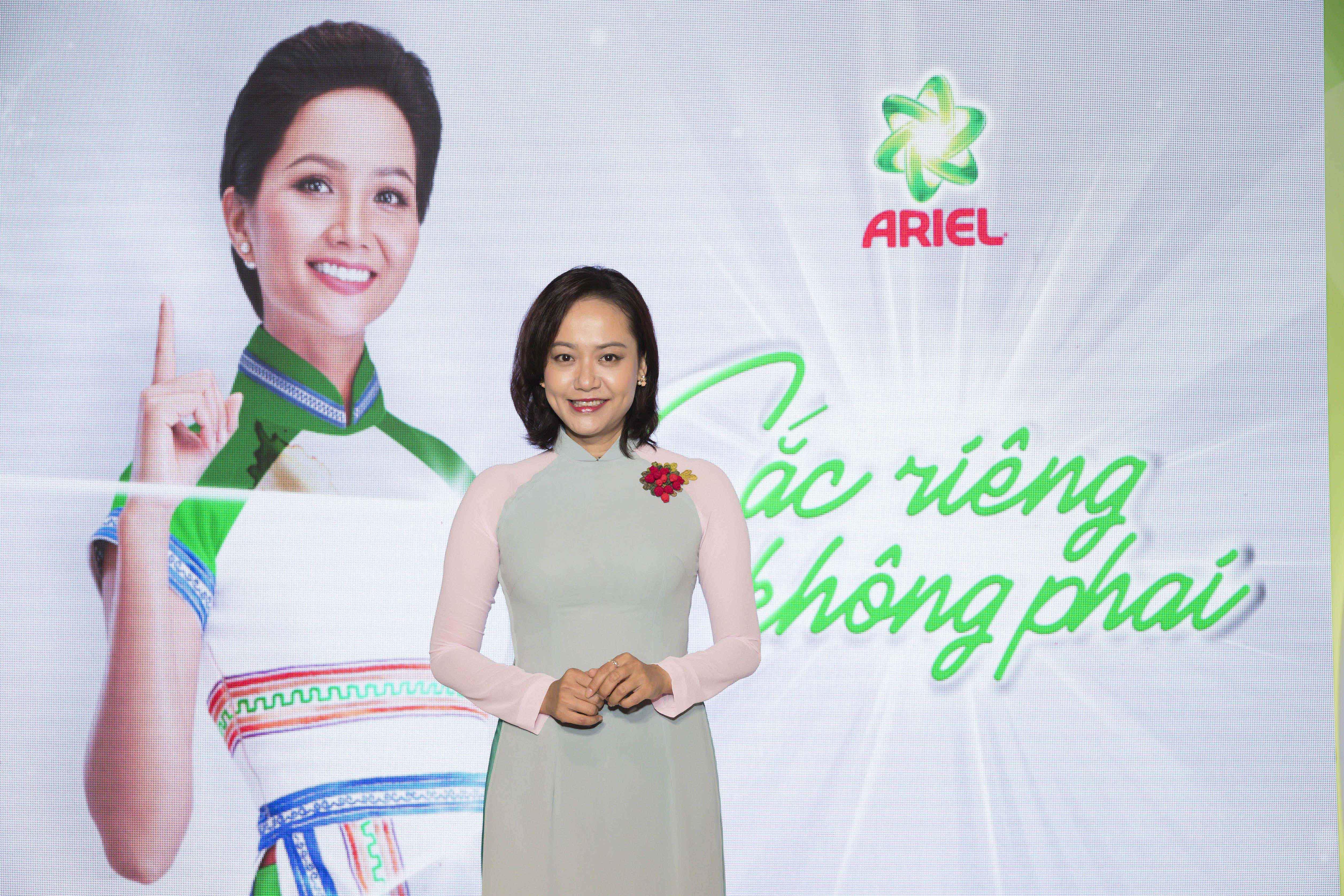 Đạo diễn, diễn viên Hồng Ánh tham dự sự kiện
