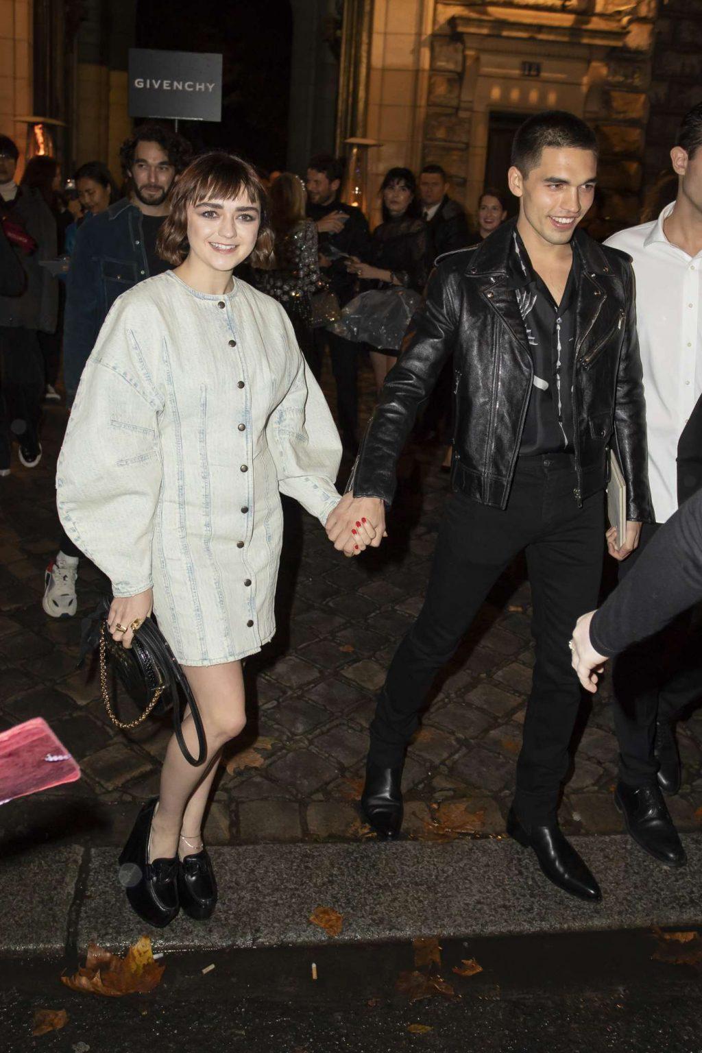 Maisie Williams tham dự show Givenchy tuần lễ thời trang Paris xuân hè 2020