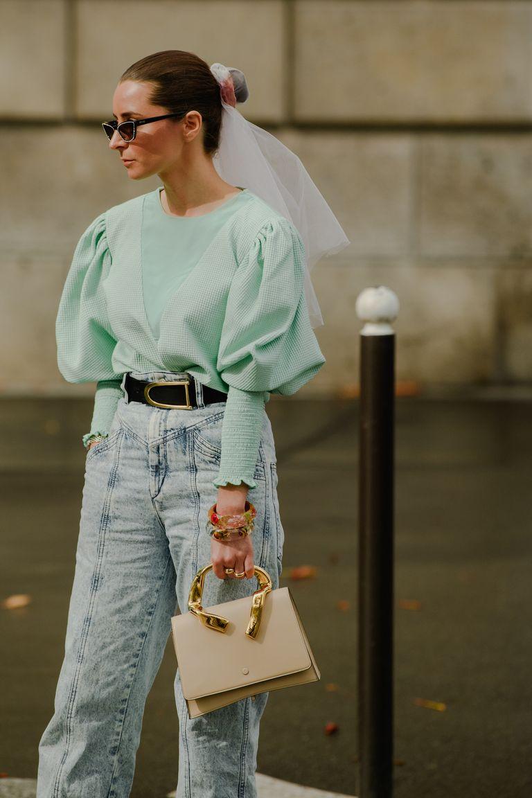 áo blouse xanh bạc hà quần jeans