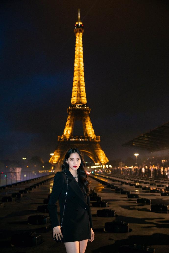 Âu Dương Nana tại show Saint Laurent tại Tuần lễ thời trang Paris Xuân - Hè 2020