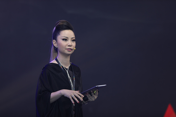 beauty expo 2019 - chuyen gia trang diem Thanh Phan