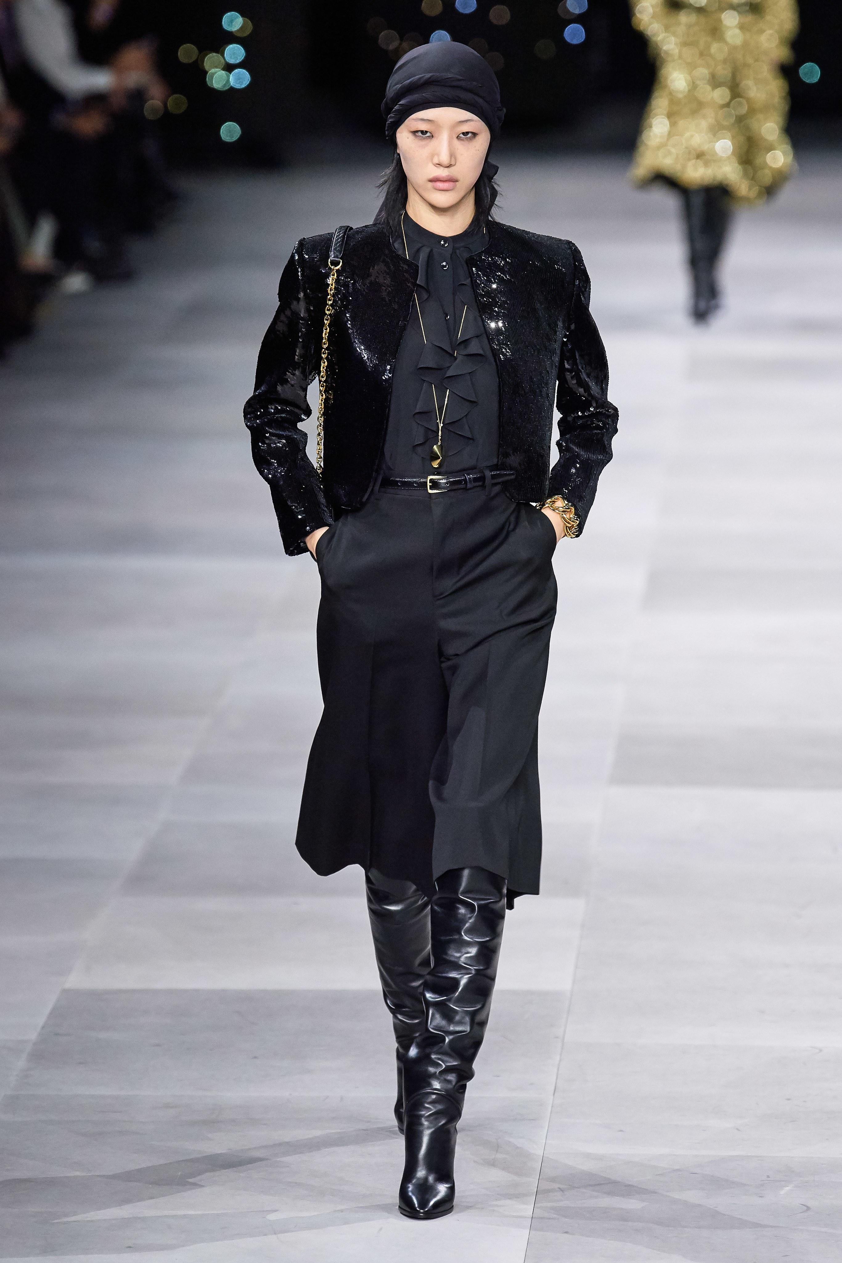 trang phục black-on-black bộ sưu tập celine xuân hè 2020