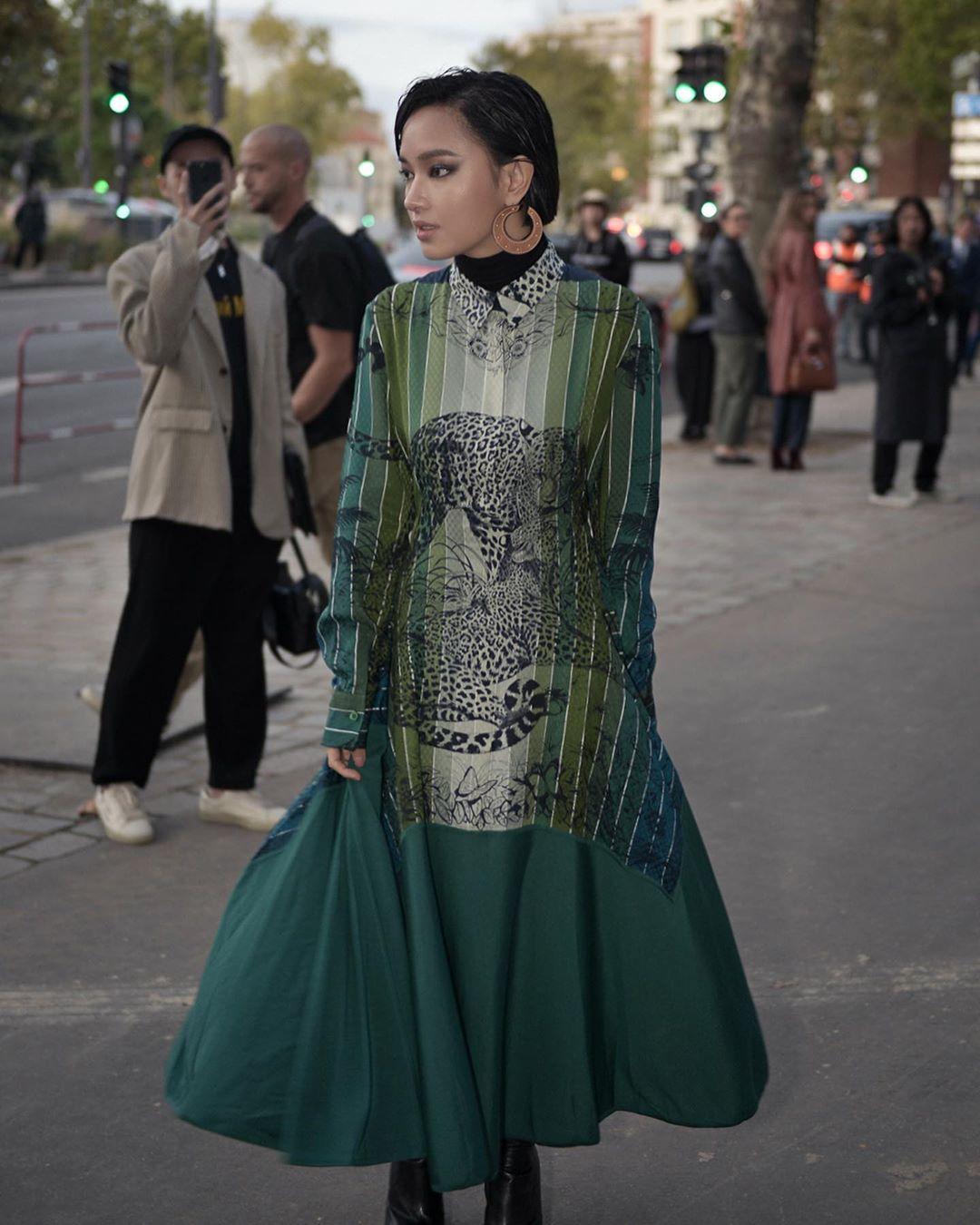 Châu Bùi xuất hiện tại show Hermes tuần lễ thời trang paris xuân - hè 2020
