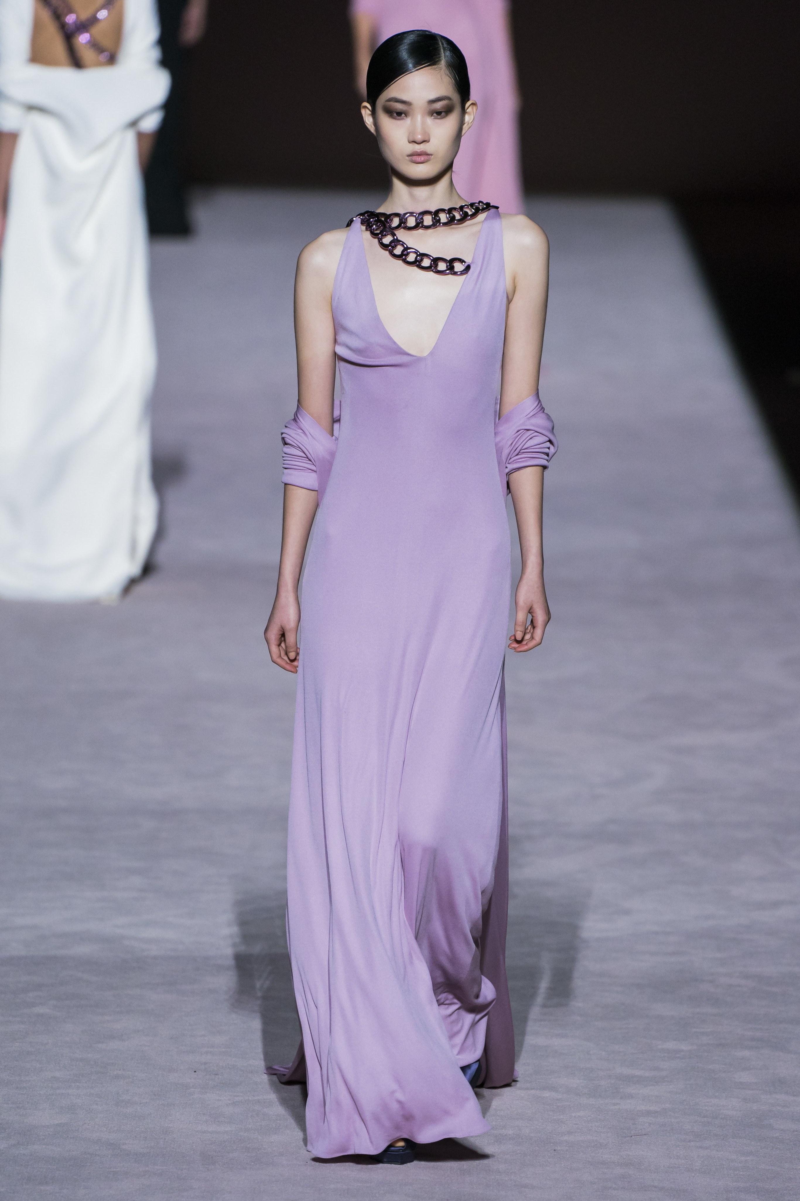 Đầm tím pastel của nhà mốt Tom Ford thời trang Thu - Đông