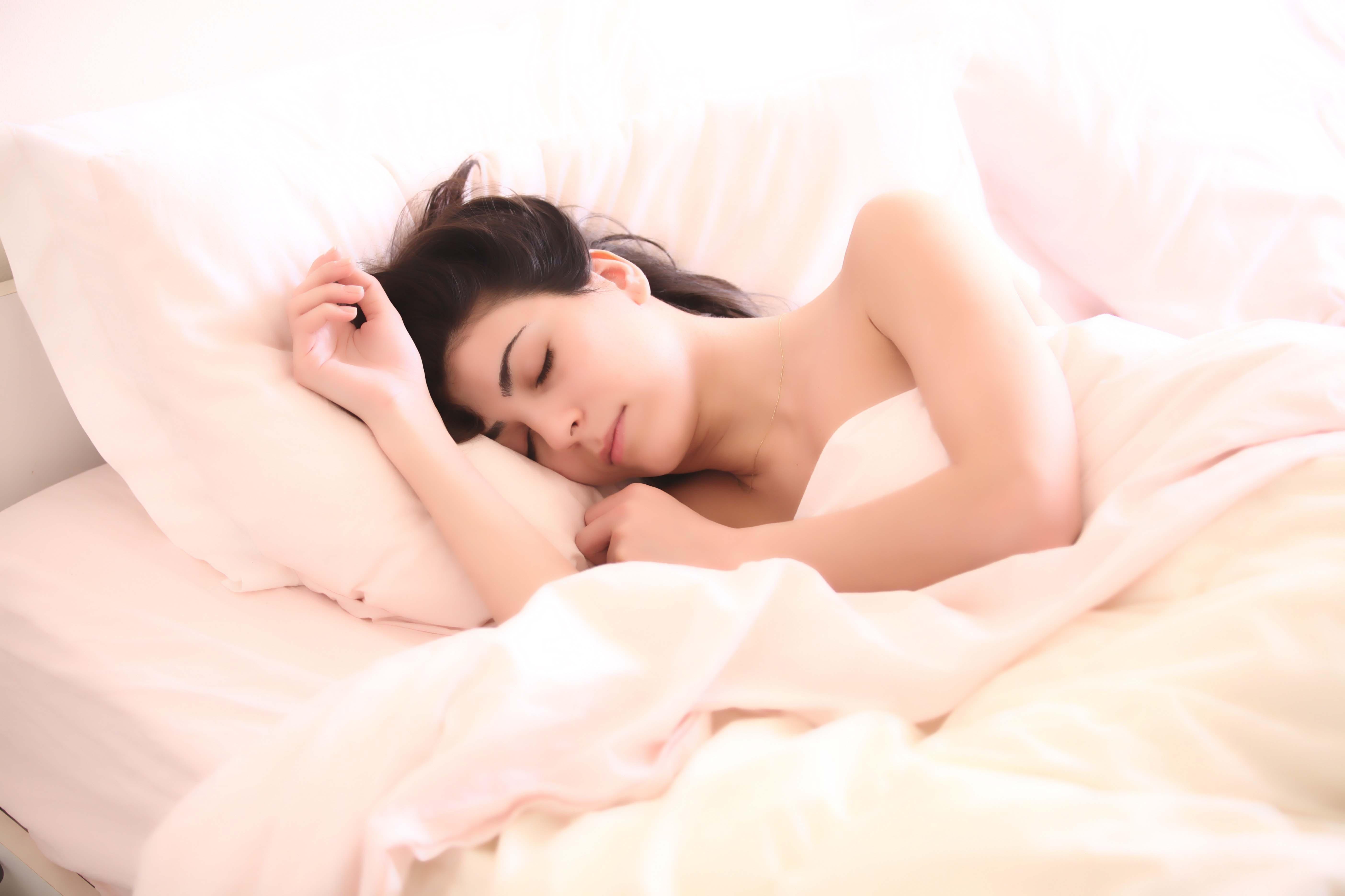 đi ngủ sớm giúp phòng tránh ung thư vú